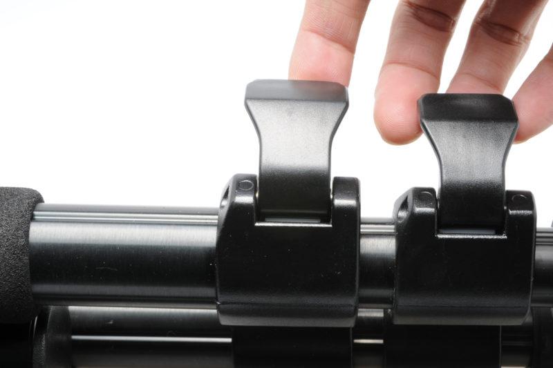 Plastic lever-type leg lock